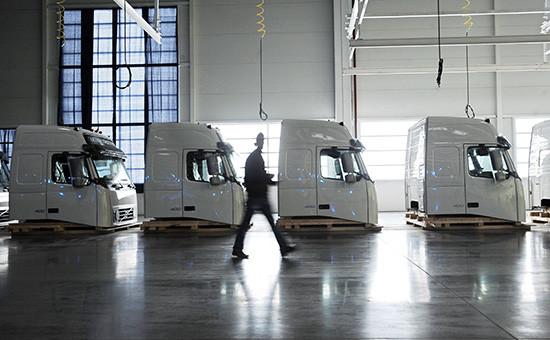 Линия сборки грузовых автомобилей на заводе Volvo в Калуге