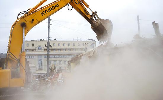 Снос торгового павильона, признанного самостроем, у станции метро «Сухаревская»