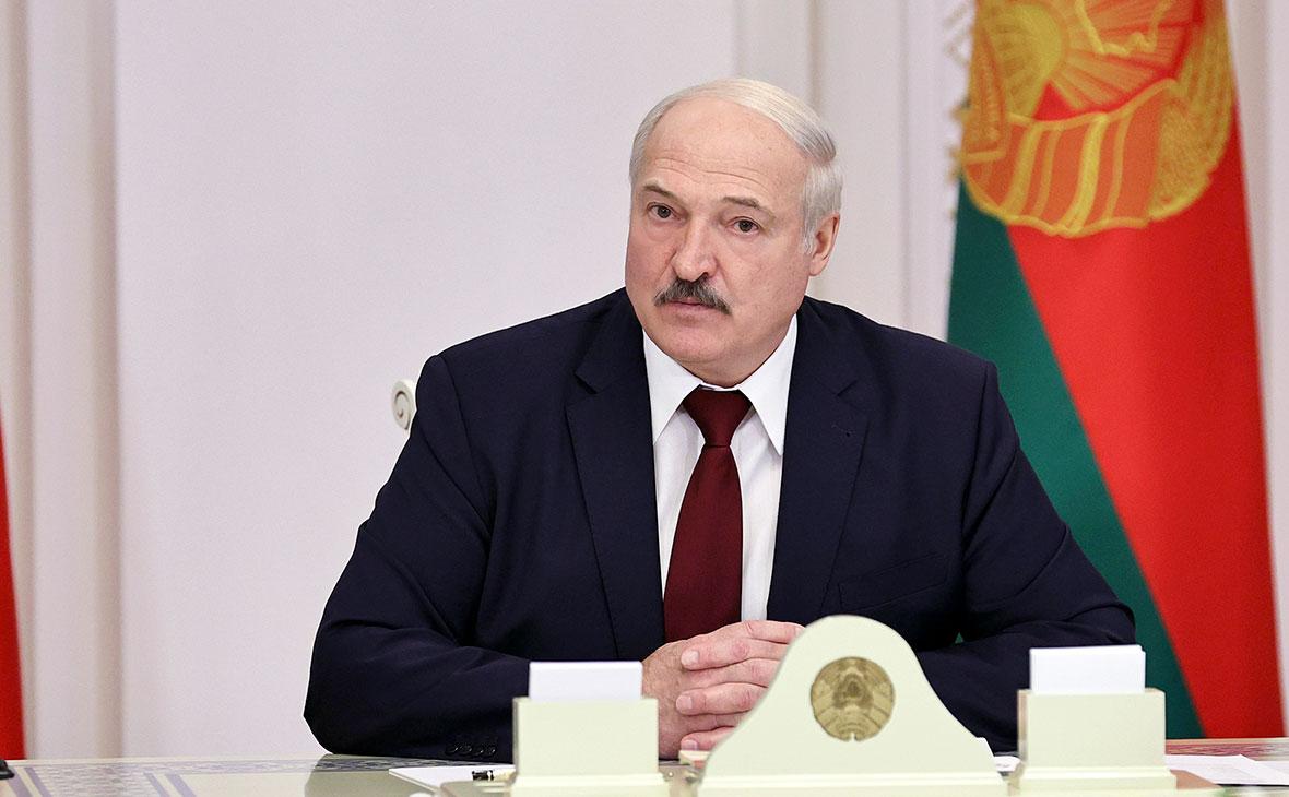 Лукашенко пригрозил не пускать обратно уехавших в Польшу врачей