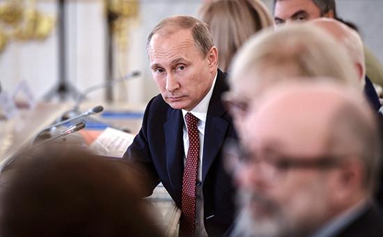 Президент России Владимир Путин на заседании Совета при президенте по развитию гражданского общества и правам человека в Кремле