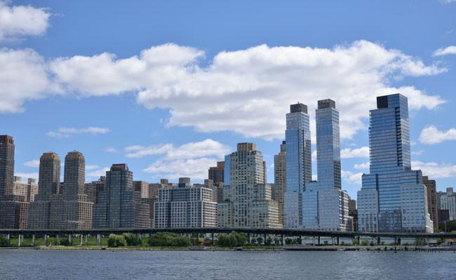 Вид на небоскребы на Риверсайд, Манхэттен