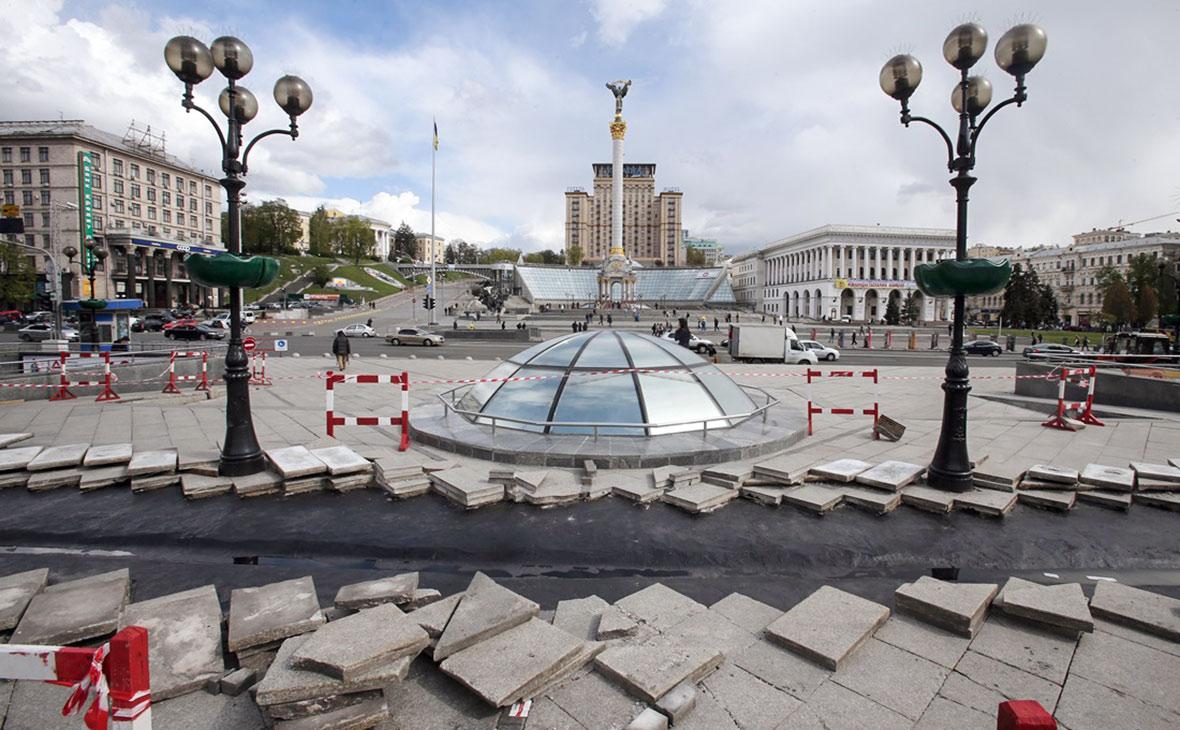 Ремонт на майдане Незалежности (площади Независимости) в Киеве