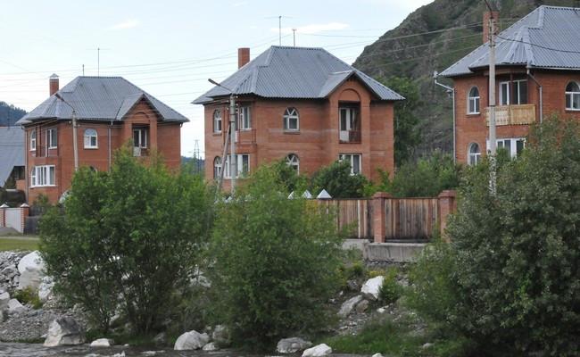 Жилые дома в коттеджном поселке
