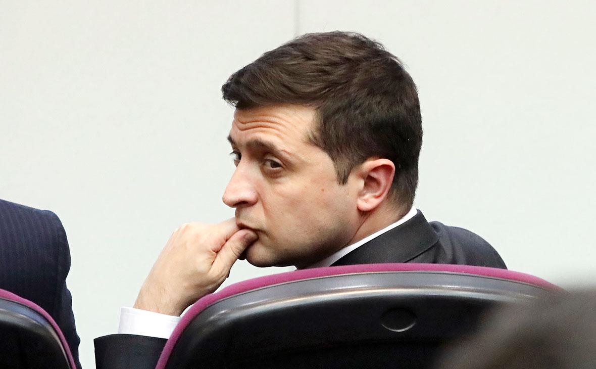 Зеленский не принял отставку премьера Гончарука