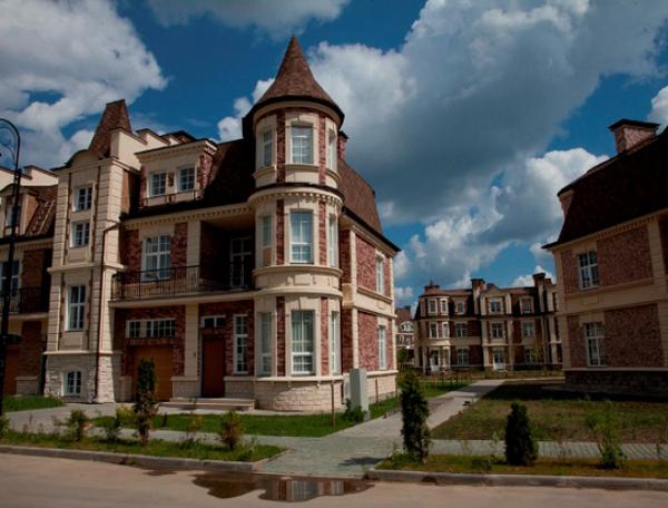 рублёвка в москве фото дома