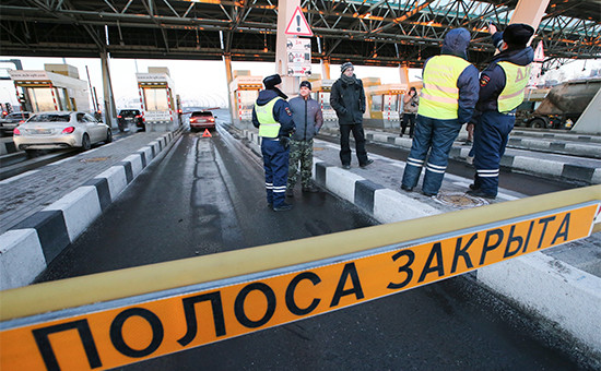 Во время акции протеста против установления платы за проезд по Западному скоростному диаметру