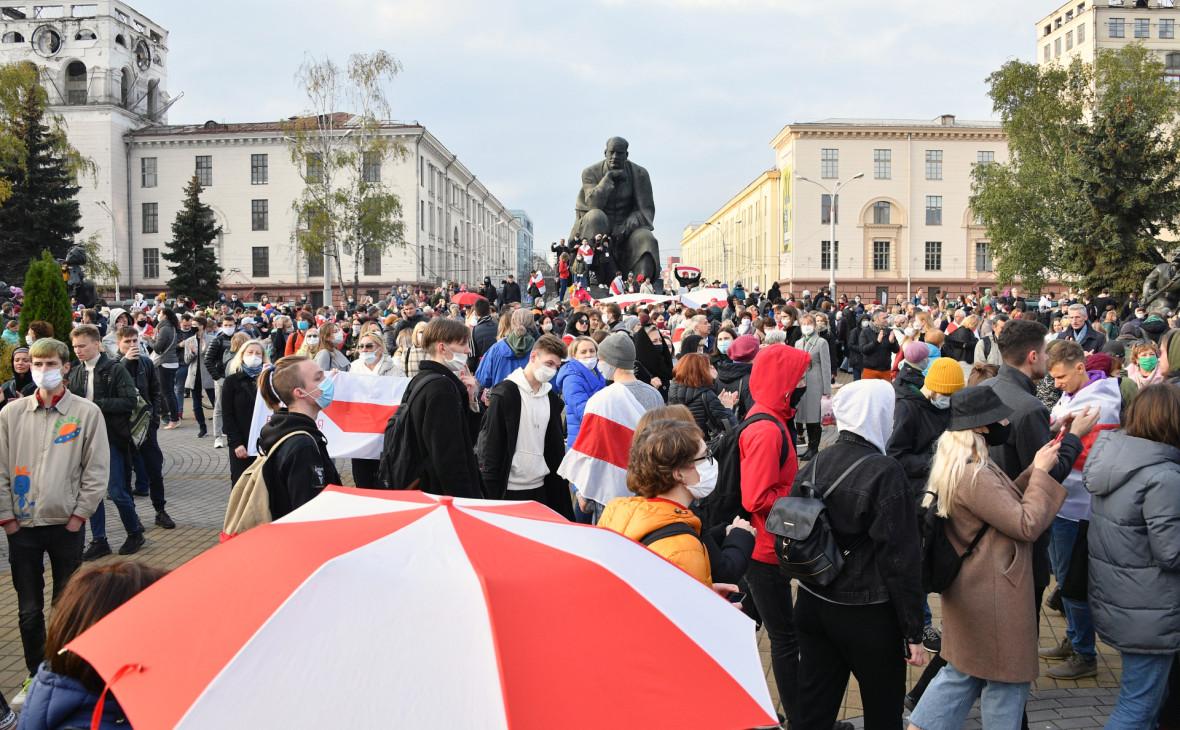Протестующие наплощади Якуба Коласа в Минске