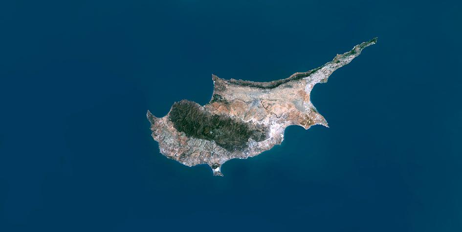 Кипр начал лишать гражданства инвесторов в недвижимость. Что это значит