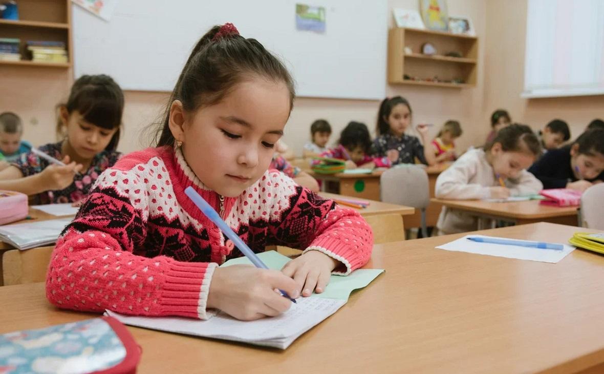 Школьников Октябрьского вернут в классы уже в понедельник!