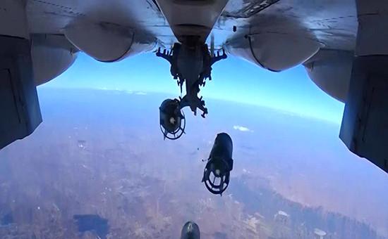 Бомбардировка российскими самолетамитеррористической группировки в Сирии