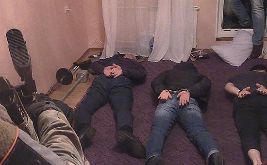 Во время задержания четверых участников диверсионно-террористической группы в Москве.15 декабря 2016 года