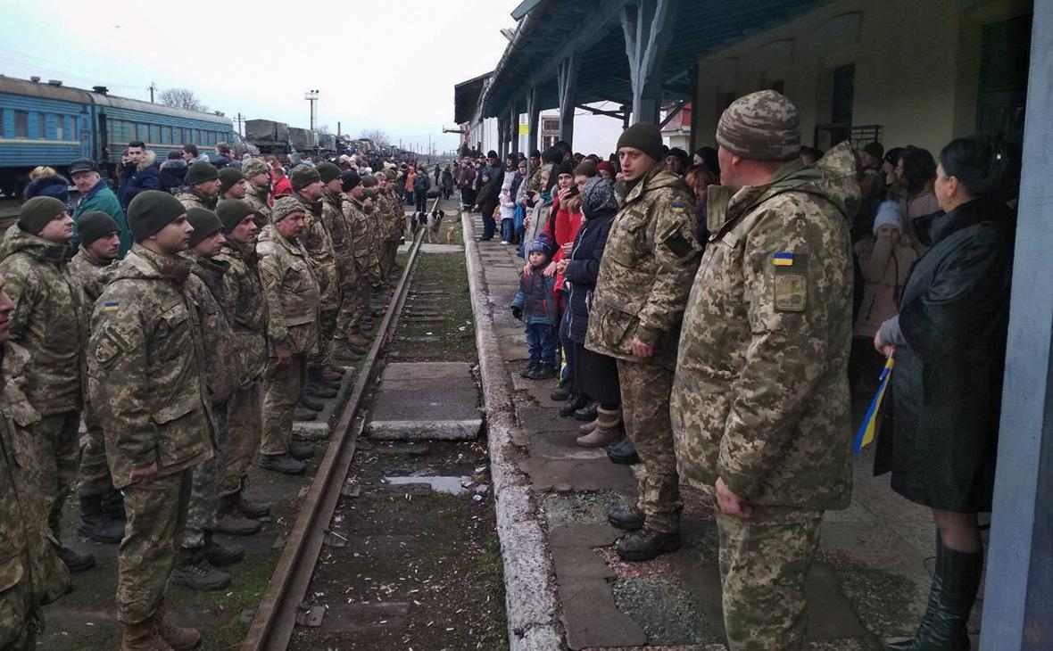 Бойцы 128-й бригады ВСУ вернулисьв Виноградов. 21 января 2018 года