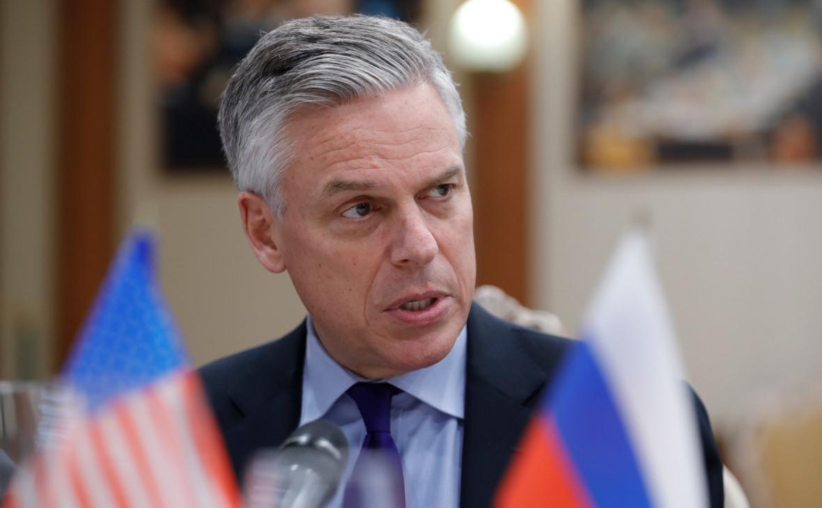 Хантсман сообщил о встрече США и России по увеличению числа дипломатов