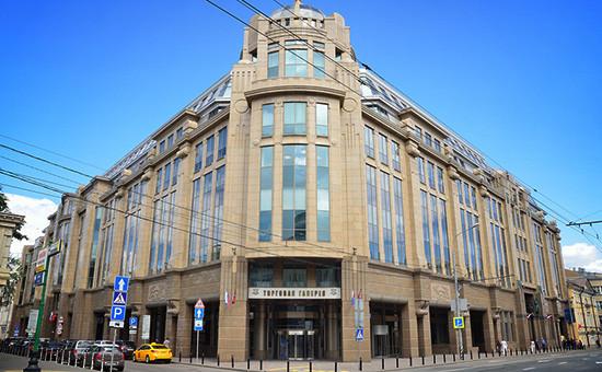 Здание бывшего магазина «Военторг» на улице Воздвиженка