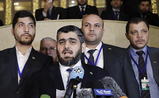 Лидеры сирийской оппозиции вовремя международных переговоров посирийскому урегулированию вАстане