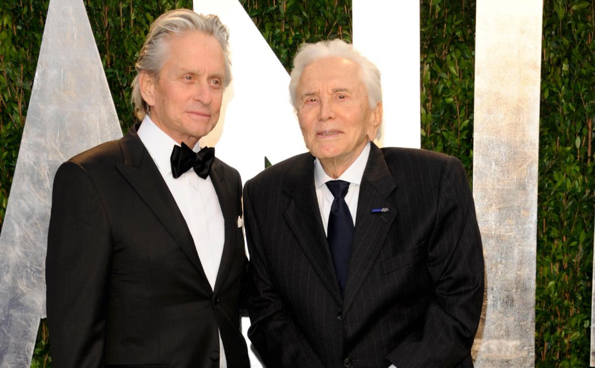 Майкл (слева) и Кирк Дугласы