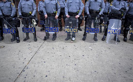 Полиция во время массовых волнений в Балтиморе