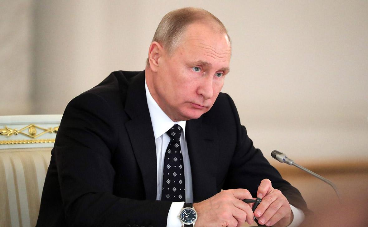 V. Putin ký lệnh nối lại tuyến bay tới Cairo Ai Cập