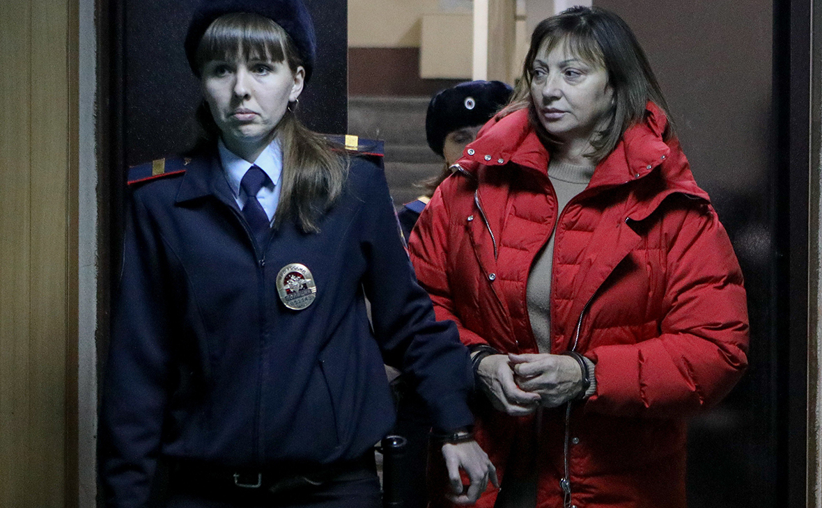 Ирина Голосная (справа)
