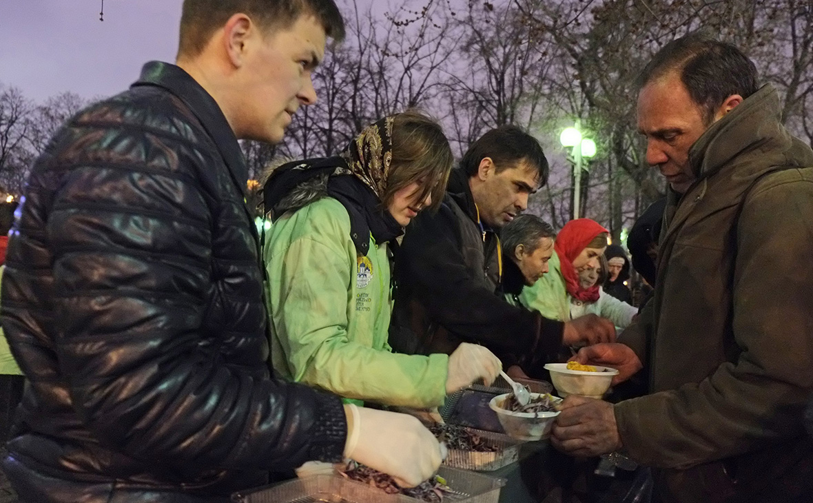 ВЦИОМ назвал долю считающих себя добрыми россиян