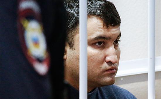 Хирург Илья Зелендиновво время рассмотрения ходатайства об аресте в Октябрьском районном суде