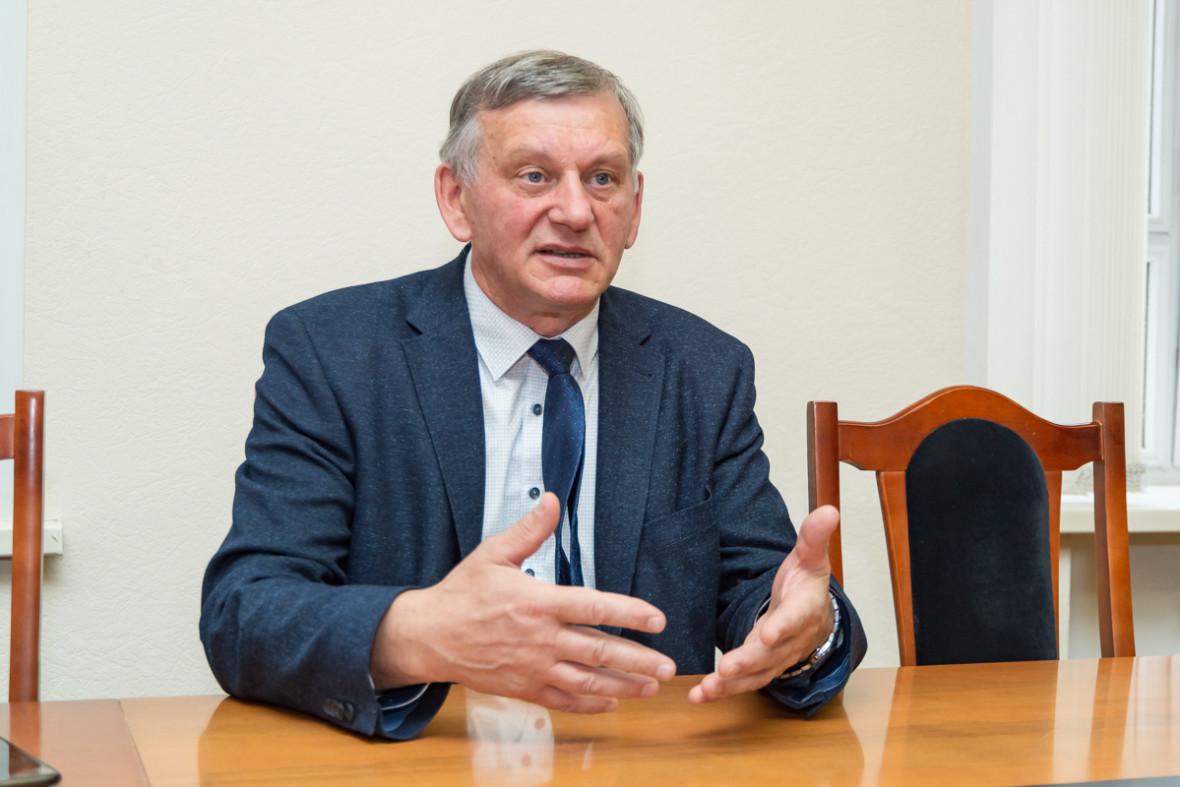Ректор НГТУ Анатолий Батаев