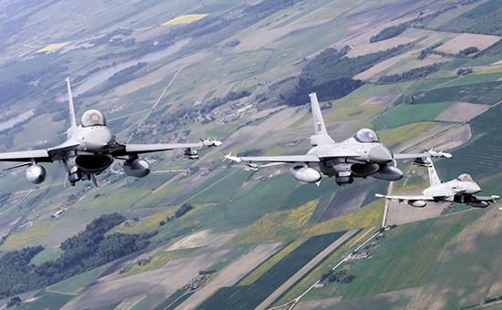 Истребители F-16 стран НАТО патрулируют небо над Прибалтикой