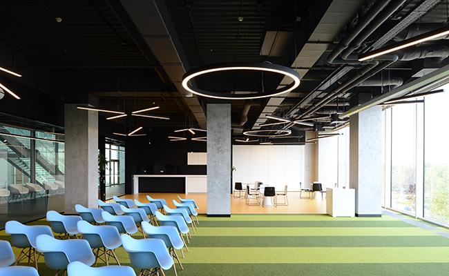 Кроме офисов и фирменных магазинов,в новой московской штаб-квартире adidas открылась академия спорта