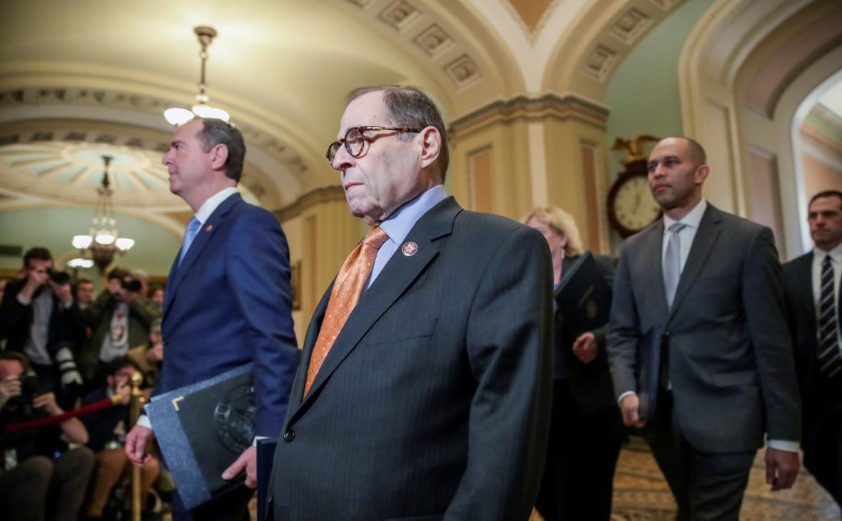 Демократы направили в сенат обоснование импичмента Трампу