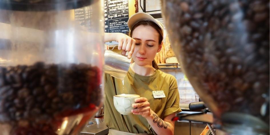 Эффект бумажного стаканчика: как мода на кофе изменила ретейл в Москве