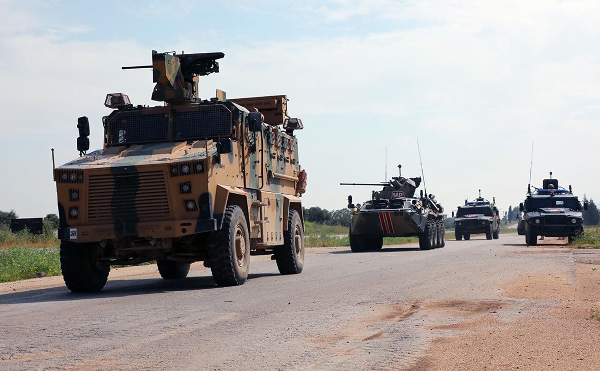 Турецко-российский военный патруль на трассе М-4