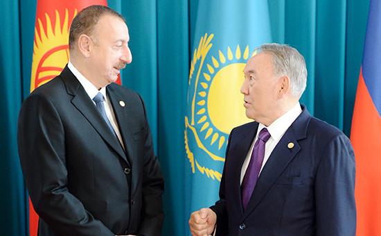 Президент Азербайджана Ильхам Алиев и президент Казахстана Нурсултан Назарбаев (слева направо)