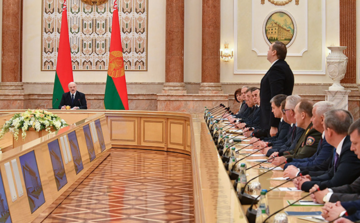 Александр Лукашенко во время принятия кадровых решений по новому составу Правительства