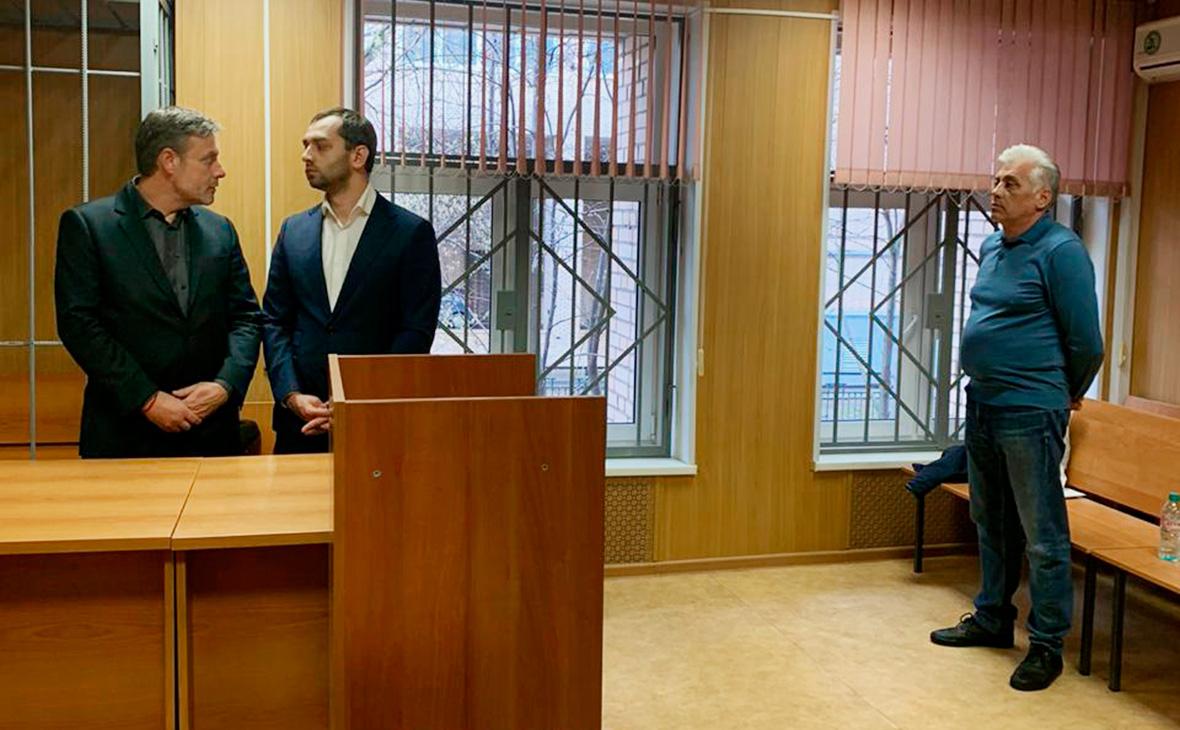 Александр Вершинин (справа)