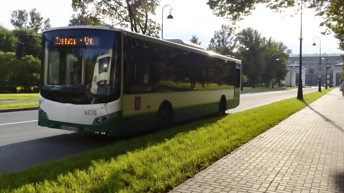 Петербург. Пассажирский автобус