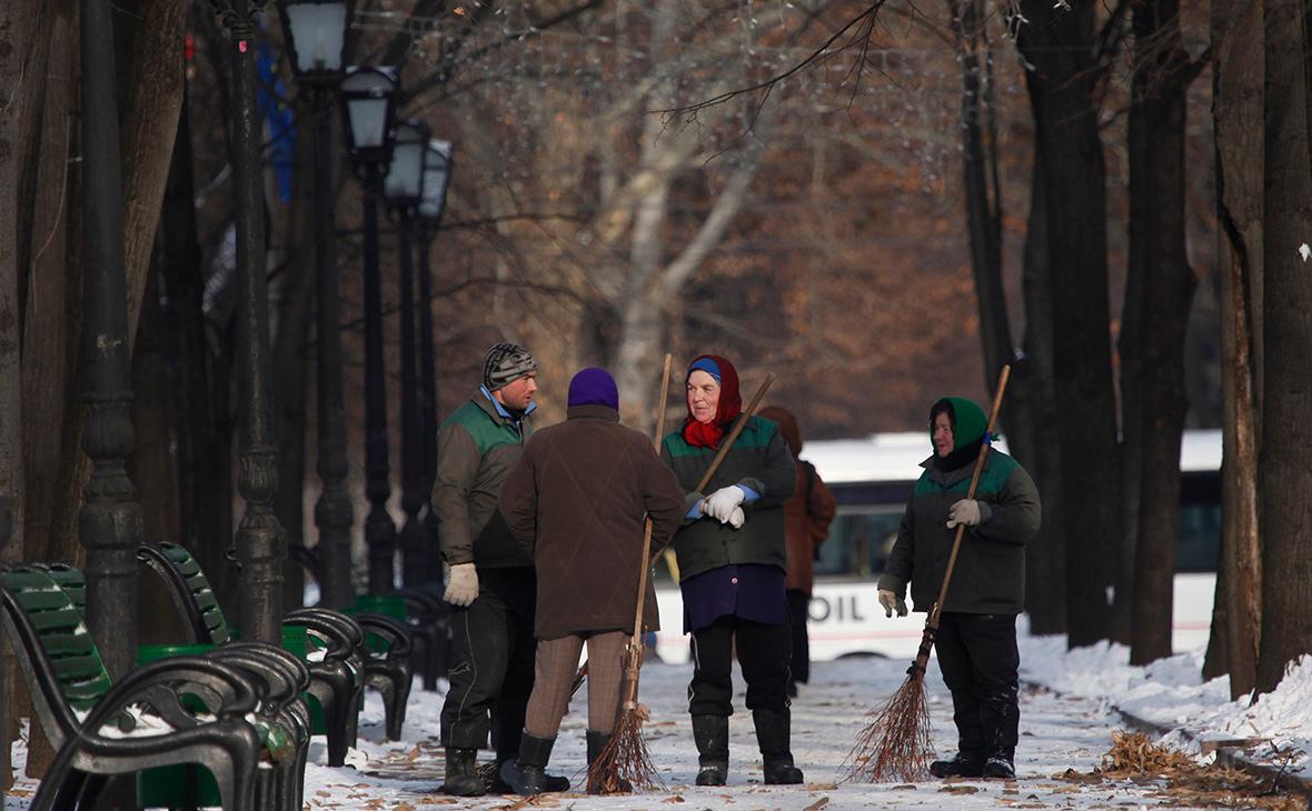 Парламент Молдавии одобрил снижение пенсионного возраста
