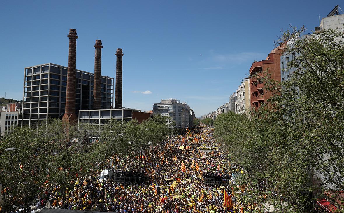 На акцию протеста в Барселоне вышли 315 тысяч человек