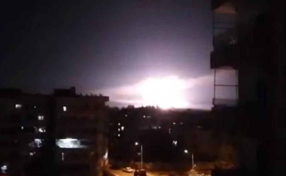 Взрывы после авиаударов Израиля по окрестностям Дамаска в январе 2019 года