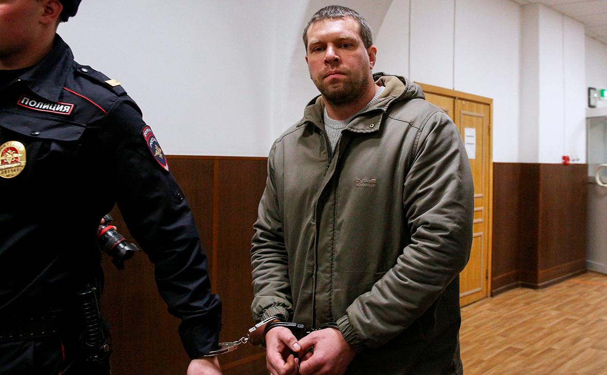 Суд арестовал бывших полицейских по делу Голунова