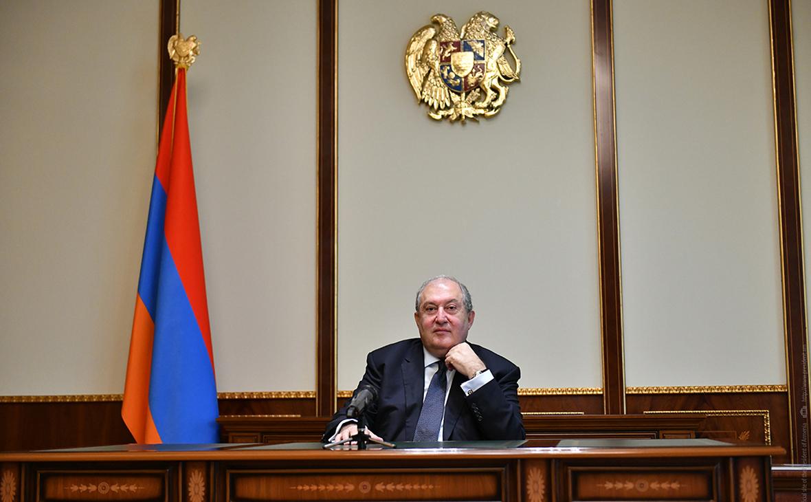 Президент Армении призвал к отставке кабинета Пашиняна