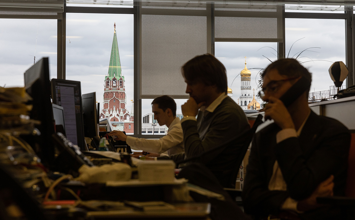 Эксперты указали на достижение компаниями из России рейтингового потолка