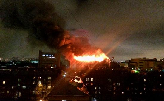 Возгорание на складе на территории Тушинского машиностроительного завода