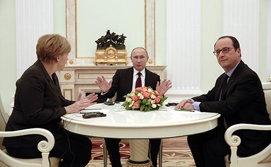 Канцлер Германии Ангела Меркель, президент России Владимир Путин иглава Франции Франсуа Олланд (слева направо), февраль 2015 года