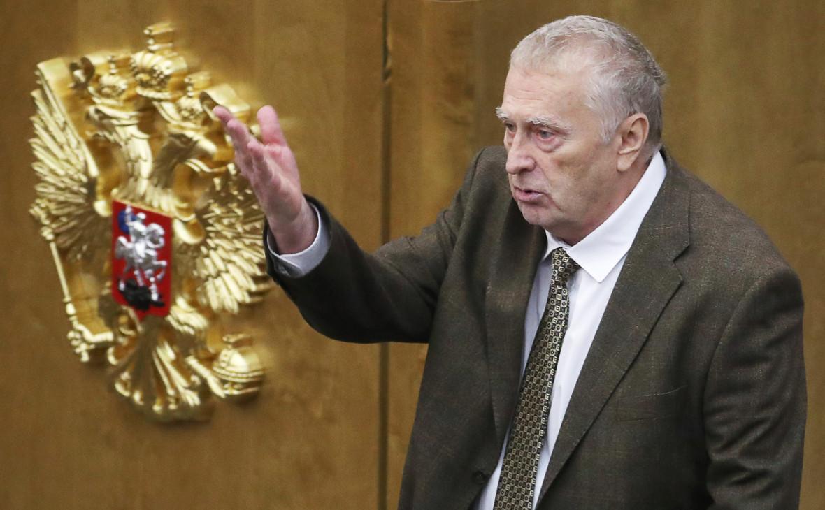 Жириновский удивился просьбе Кадырова извиниться из-за слов о Макроне