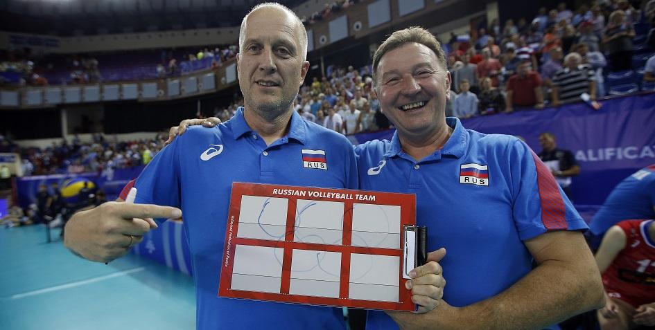 Новый главный тренер женской сборной России по волейболу Серджио Бузато (справа)