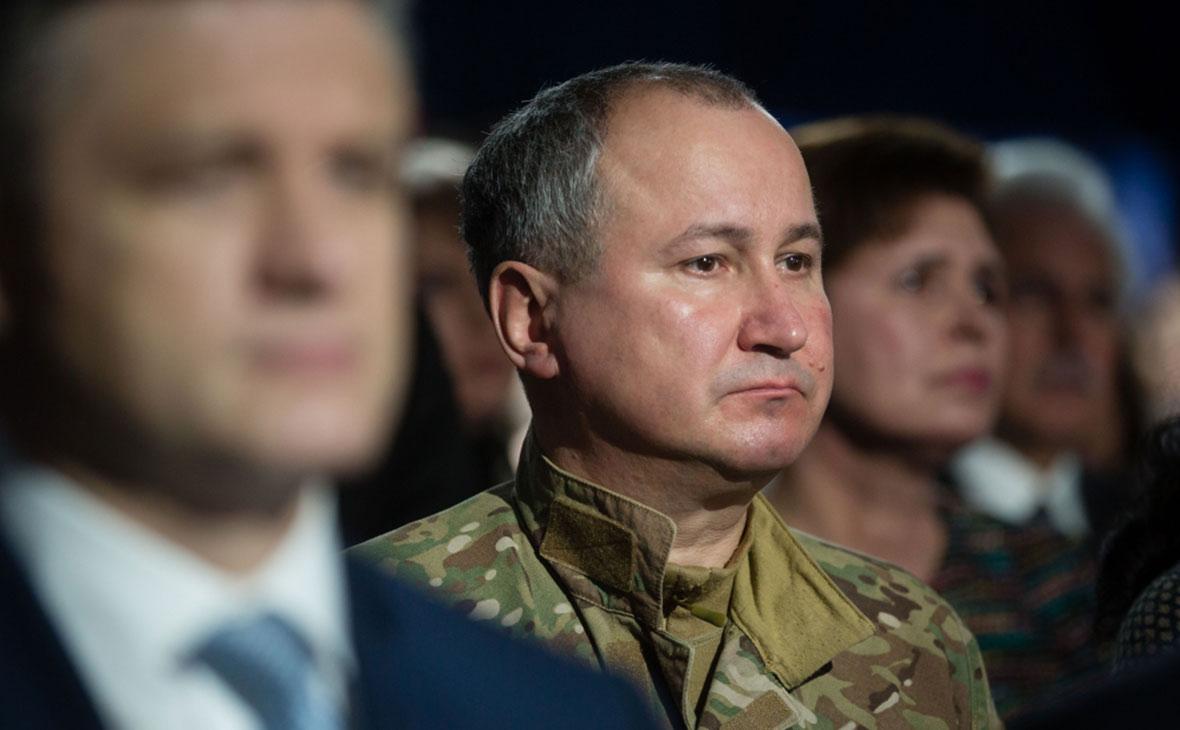 Василий Грицак (в центре)