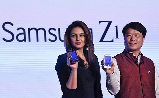 Презентация Samsung Z1 в Нью-Дели, Индия