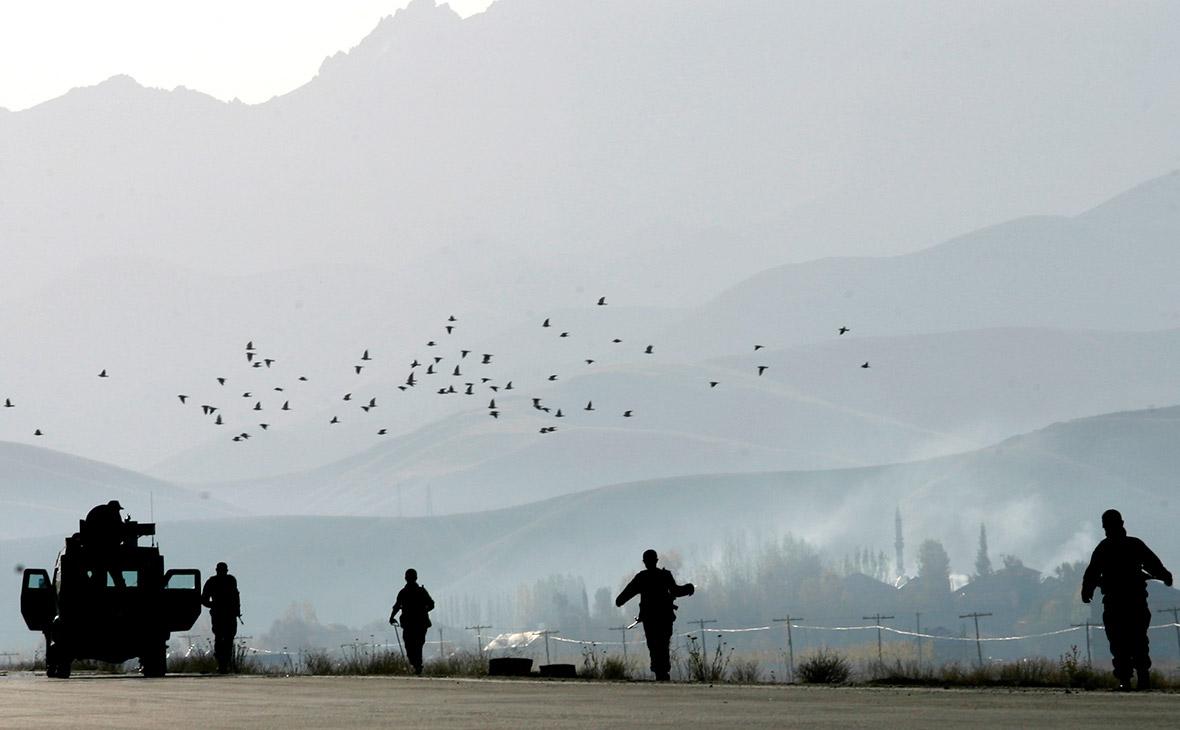 Курды стянули войска к позициям протурецких сил на севере Сирии