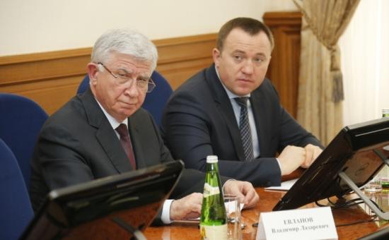 Юрий Гриценко (справа)