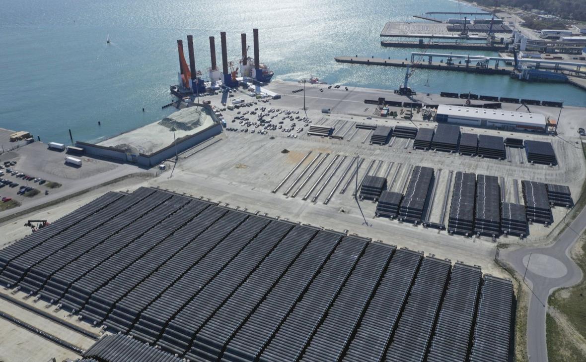 Трубы для строительства газопровода «Северный поток - 2» в немецком порту Мукран